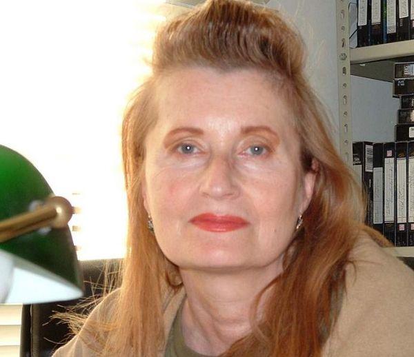 Эльфрида Елинек, австрийская писательница. Отказалась от Нобелевской премии по литературе в 2004 году из-за того, что посчитала награду незаслуженной. Но денежный приз забрала.