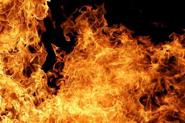 Пожарные гасят сооружение уМосковского вокзала
