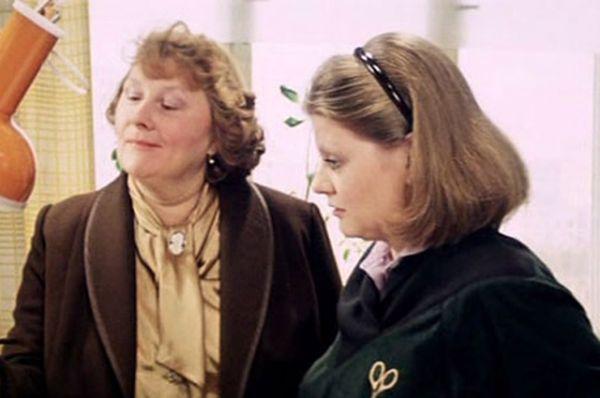 Клавдия Матвеевна Степанкова в фильме «Самая обаятельная и привлекательная» (1985).
