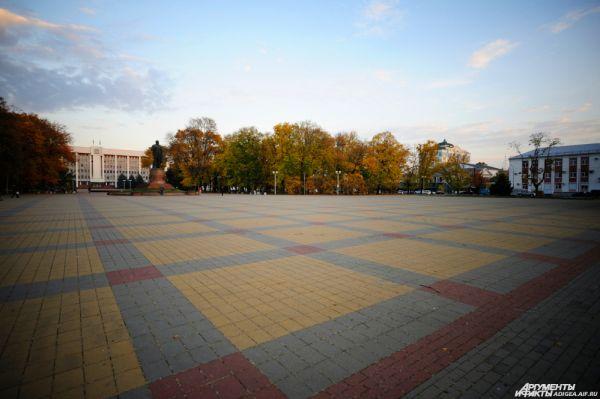Площадь Ленина в Майкопе.