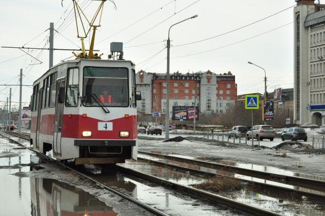 ВПетербурге наНародной улице трамвай сбил пешехода