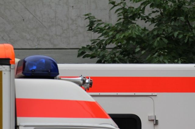 ВПетербурге наКАД умер пассажир разбившейся иномарки