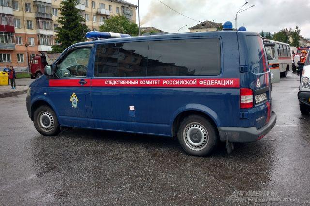 Водворе дома вЗаречном микрорайоне найден труп мужчины