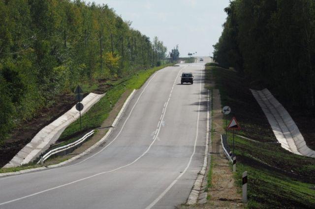 ДТП натрассе Тюмень— Ханты-Мансийск: Автомобиль «Лада Ларгус» насмерть сбил пешехода
