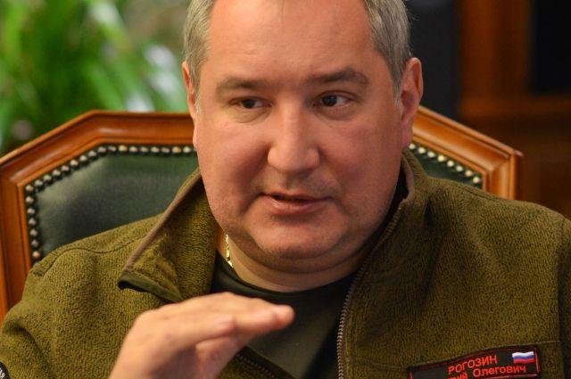 Рогозин представил робота Федора для полетов вкосмос