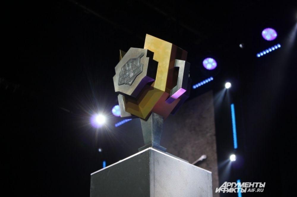 Первое место на пьедестале почёта заняла команда KBY#1 из Казани. Она получила кубок и 4000 долларов США. Второе место досталось команде «Полный расколбас» из Челябинска, третье - команде «Золотое фуфло» из Саратова. Четвёртыми стали пермяки - команда «Мадагаскар».
