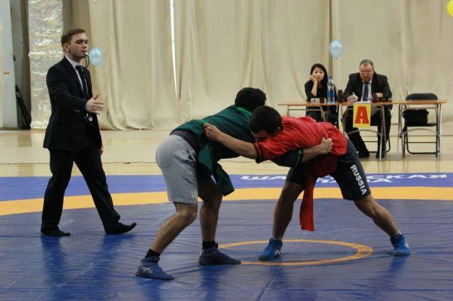 Соревнования проходили среди мужчин и юношей.