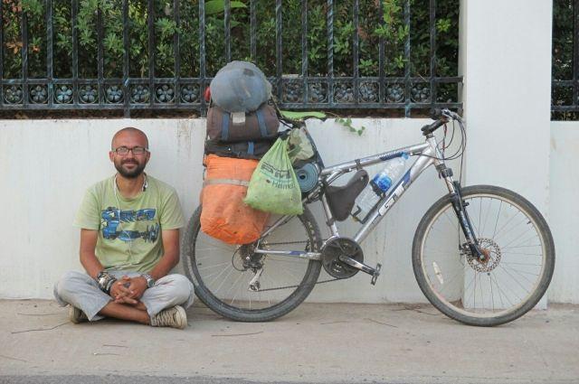 Алексей Мыльников на велосипеде проехал 31 тысячу километров.