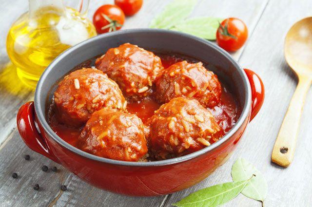 Ежики с томатной пастой