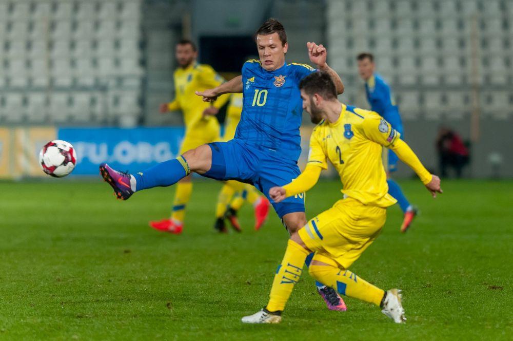 А вот Евгений Коноплянка, по мнению болельщиков, стал одним из самых слабых игроков этого матча