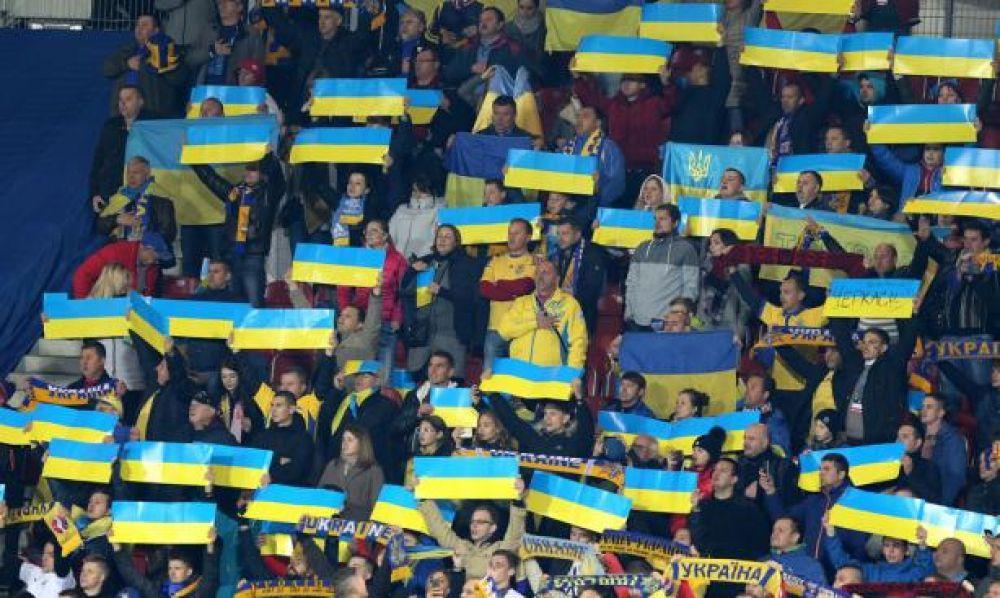 И хотя матч состоялся в польском Кракове, болельщики не поленились приехать и поддержать свою команду