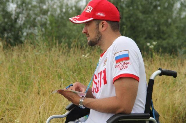 Инвалид-колясочник за свой счет участвует в международных соревнованиях по спортивному ориентированию.