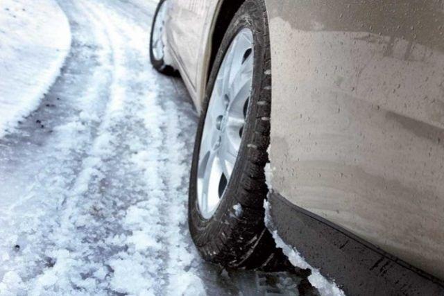 Красноярск: выпал 1-ый снег, на трассах пробки и маленькие трагедии