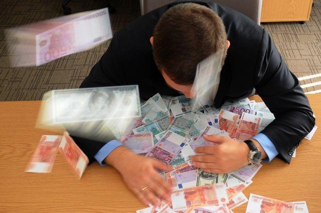 Больше всего зарплата увеличилась в органах судебной власти и прокуратуры.