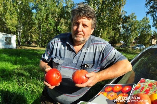 Страсть к помидорам у Владимира с самого детства.
