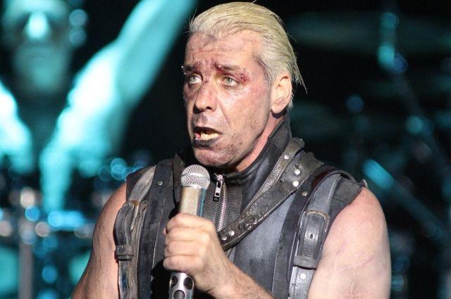 В РФ выпустят сборник стихов вокалиста Rammstein