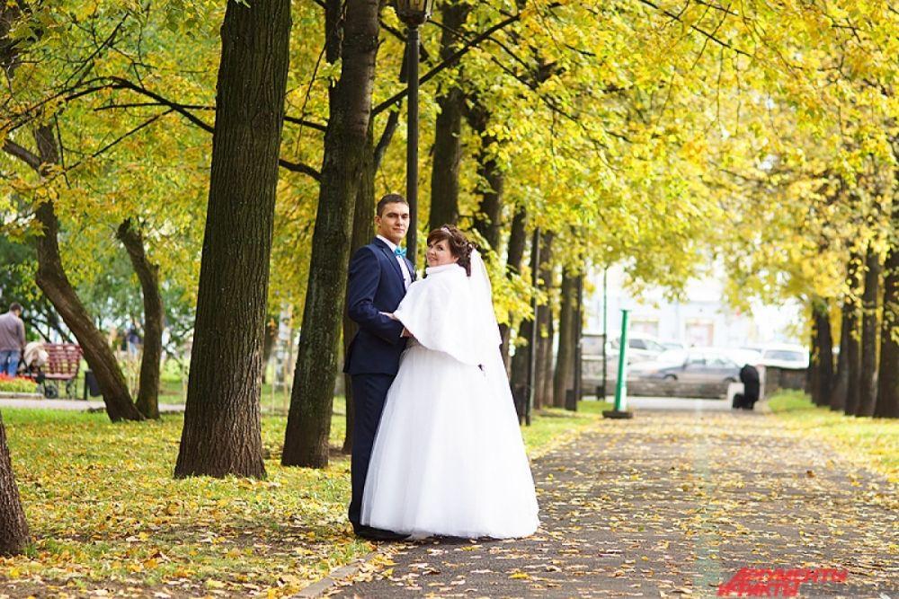 «Бабье лето» в Перми - горячая пора для свадебных фотосессий.
