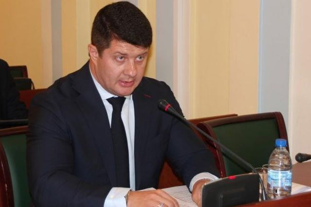 Владимир Слепцов назвал глупостью идею повесить его портрет вшколах исадиках