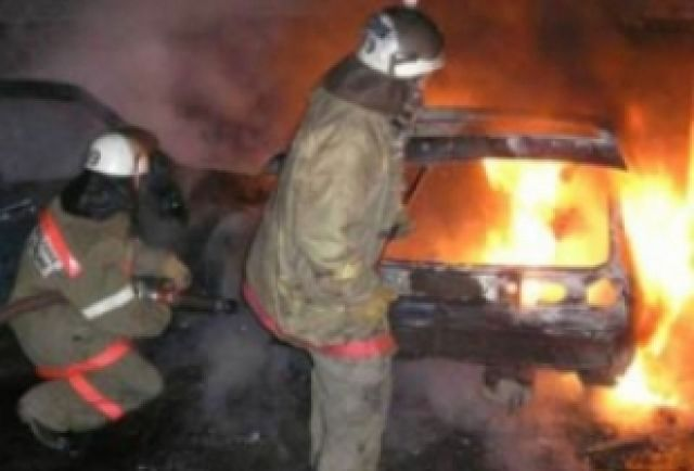 ВАЗ зажегся впериод движения вЛенинском районе Нижнего Новгорода