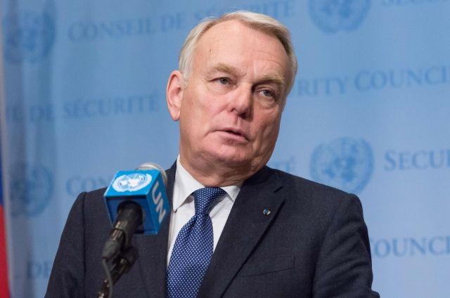 Министр иностранных дел Франции выразил сожаление из-за отказа Владимира Путина приехать вПариж