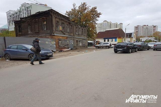 Перекресток Малого шоссе и Кооперативного переулка — площадка перспективного строительства.