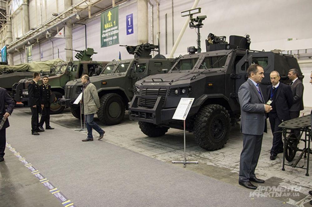 Серия бронетранспортеров «Козак» различных модификаций от изготовителя «Practika». Образцы «Козак-3» и «Козак-4» были проверены прямо в зоне АТО