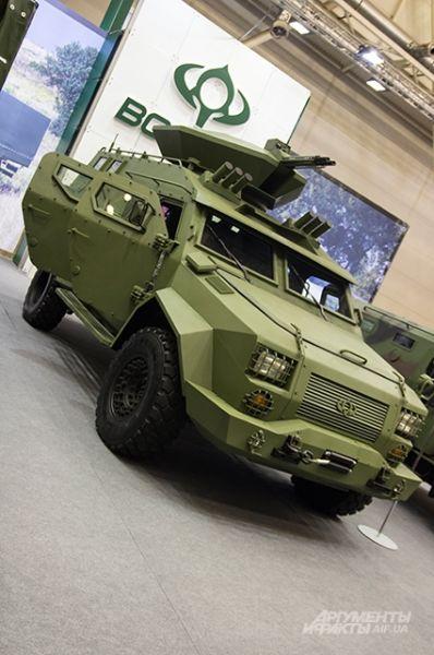 Компания «Bogdan» тоже представила новый бронетранспортер БАРС-8