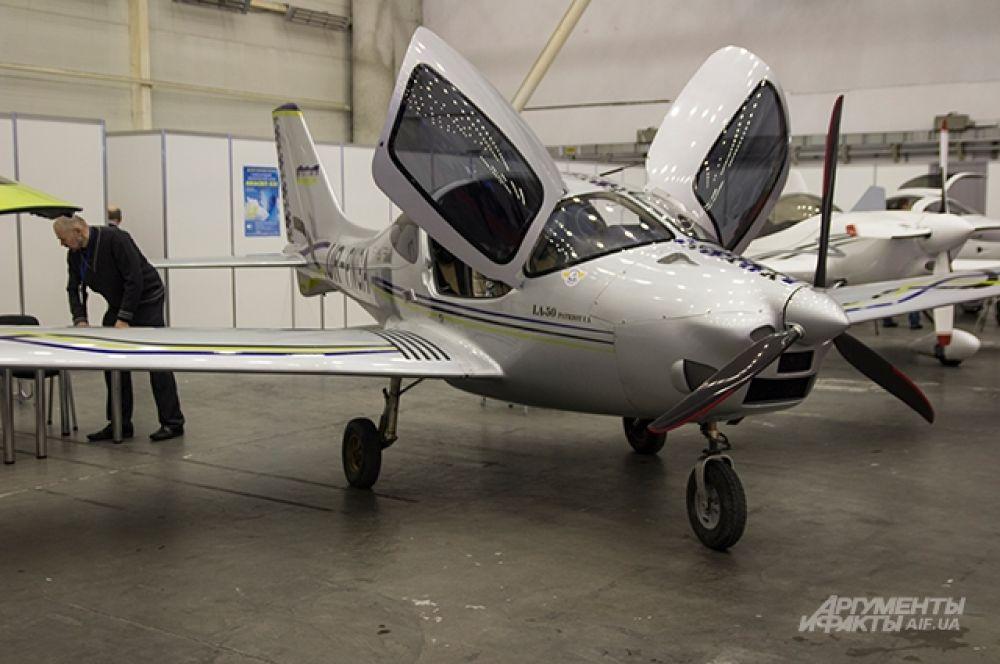 Один из новых украинских самолетов