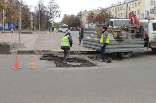 Ремонт проспекта Ленина закончится лишь в следующем году.