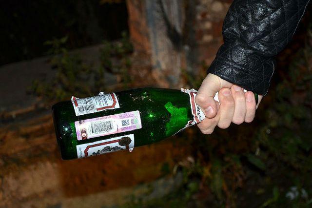 Ульяновец чуть неубил своего знакомого стеклянной бутылкой