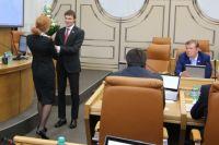 Провожая, депутатов поблагодарили за добросовестный труд.