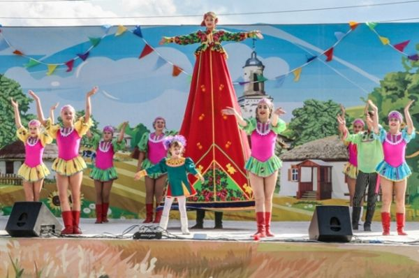 В 2016 году литературно-этнографический праздник «Каргинская ярмарка на Покрова» был посвящён Году российского кино и прошёл 9 октября.