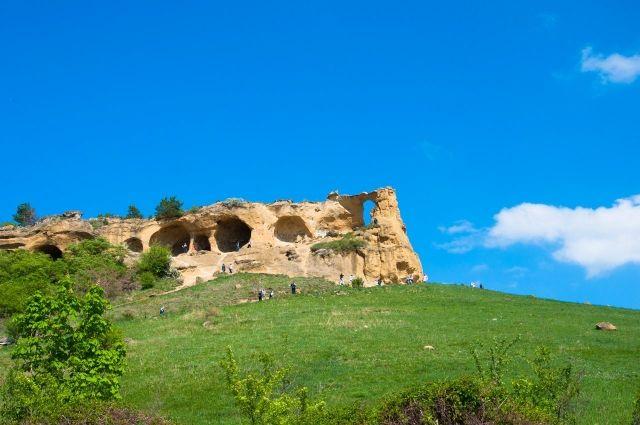 В Кавказких горах много живописных мест. Одно из них рядом с Пятигорском.
