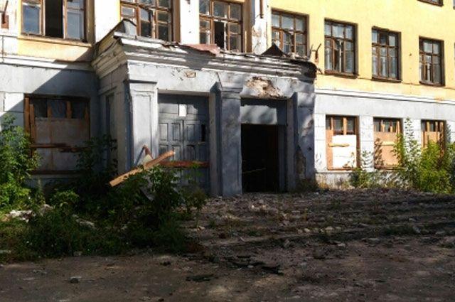 ВЯрославле генпрокуратура требует законсервировать сооружение школы №53