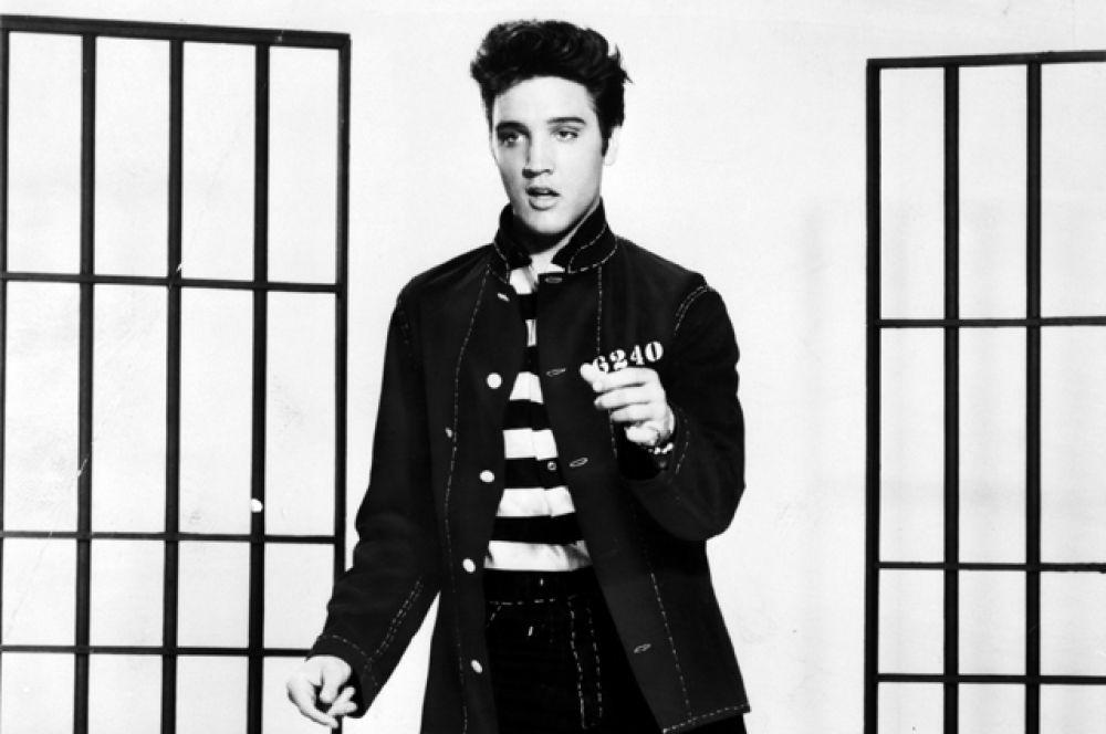 4 место: король рок-н-ролла Элвис Пресли. Музыкант умер в 1977 году, доход в 2016 году равен $27 млн.