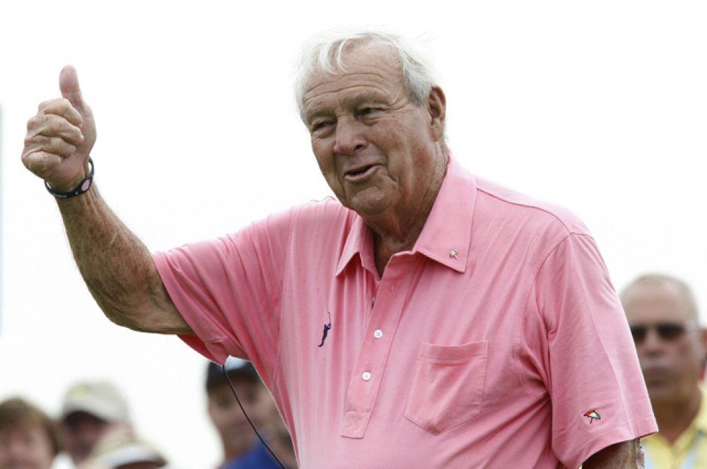3 место: гольфист Арнольд Палмер. Умер в сентябре 2016 года, доход —$40 млн.