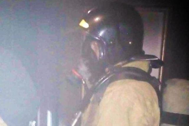Ввологодском поселке Молочное горел дом избруса