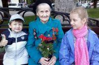 9 мая 2016 года. Александровна с правнуками.