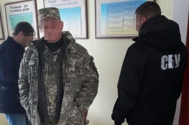 Задержание одного из офицеров
