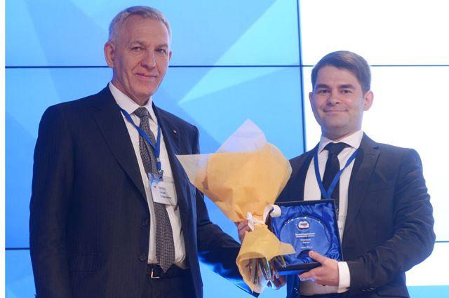 Академик РАН, профессор, главный кардиолог Минздрава России в Северо-Западном Федеральном округе Евгений Шляхто (слева).