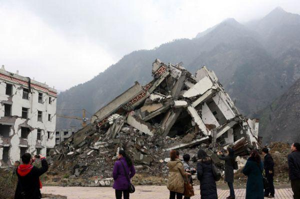 4 место: землетрясение в Китае в 2008 году — 87 476 жертв. Эпицентр зафиксирован в 75 км от столицы провинции Сычуань города Чэнду. Землетрясение было настолько сильным, что его почувствовали в соседних странах и даже в России.