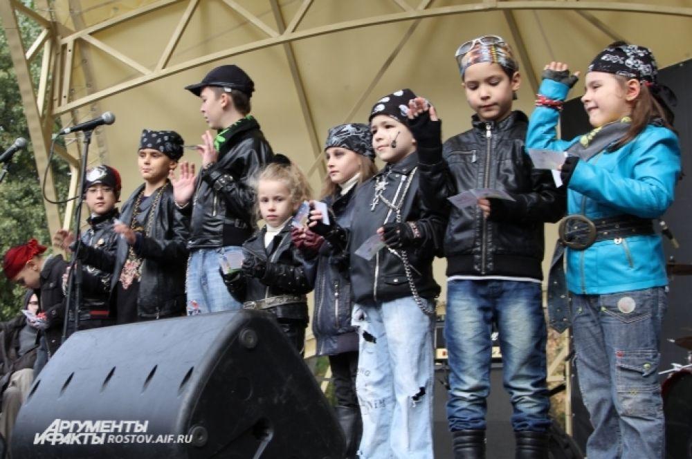 Главным событием по накалу эмоций стал конкурс среди детей на лучшую одежду байкера.