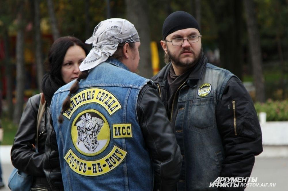 Свой мотосезон байкеры открывают в День России, а сегодня пришло время закрывать сезон - впереди зима.