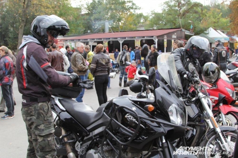 На мероприятие собрались около 200 байкеров.