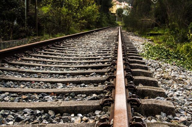 Наперегоне под Кинелем из-за излома рельса ночью встали поезда