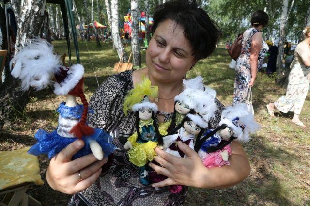Хотя на Южном Урале нет гейзеров, как на Камчатке, можно завлечь туристов народными промыслами и агротуризмом.