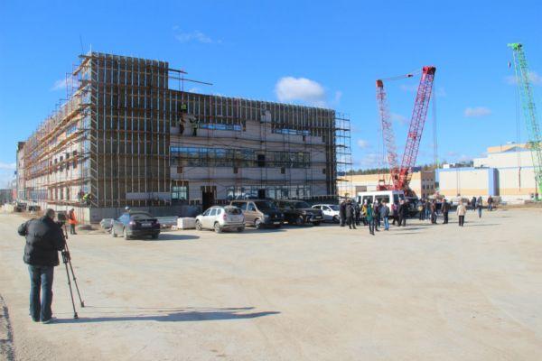 Общий вид строительства радиологического Центра.
