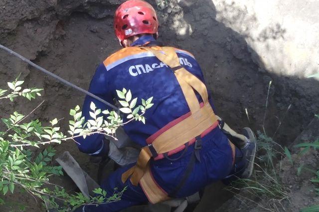 ВУсть-Катаве 2-х рабочих засыпало землей вглубокой траншее