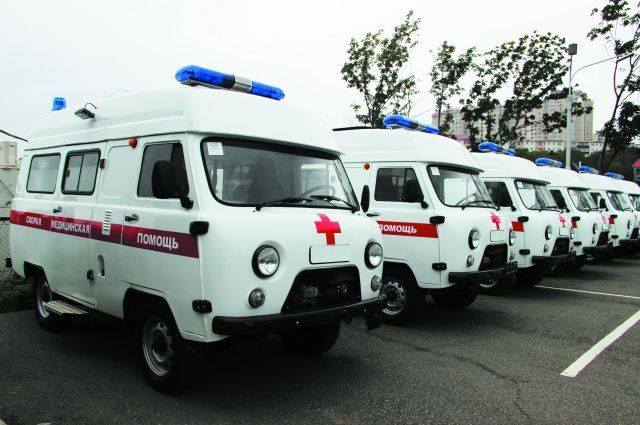 Одна машина выгорела полностью, 6 повреждены при пожаре в гараже санавиации Ивановской областной больницы.