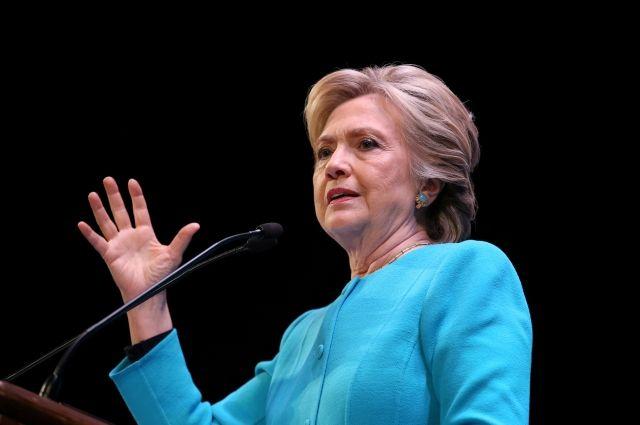 WikiLeaks обнародовал десятую часть переписки главы штаба Клинтон